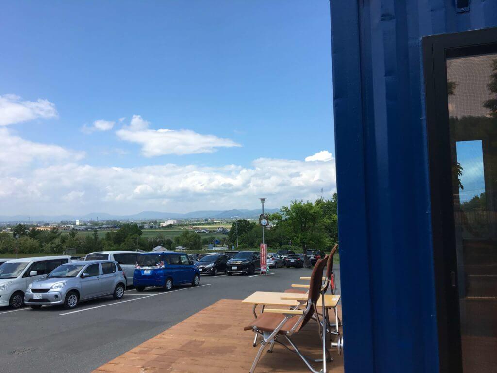 旭山コナール ハナサクカフェの駐車場2