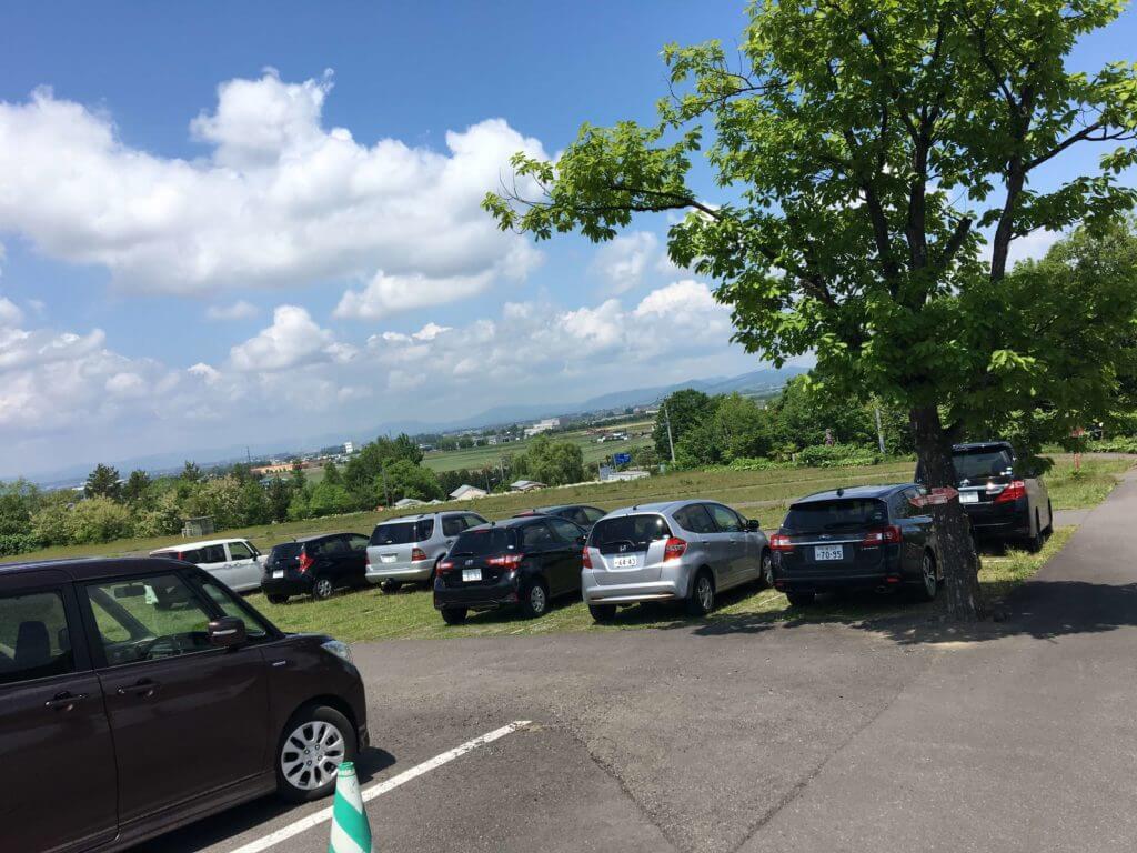 旭山コナール ハナサクカフェの駐車場