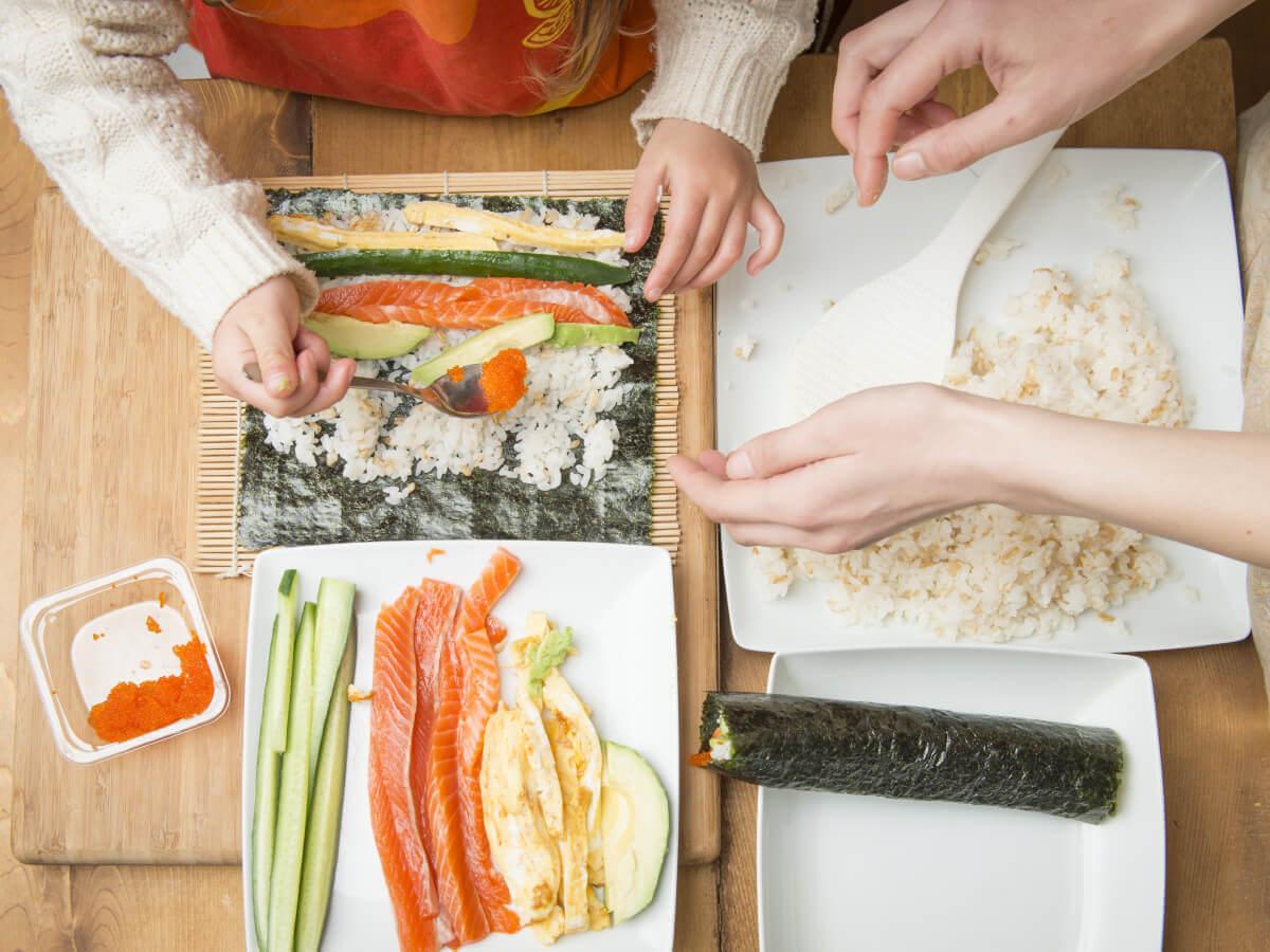 シンプレスト函館の地域体験イベント【手巻き寿司づくり】
