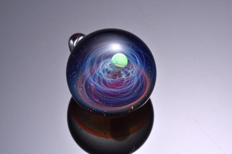 宇宙ガラスのガラスアート