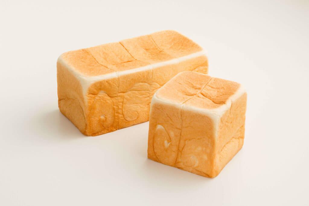 高級「生」食パン専門店 乃が美のレギュラー&ハーフ